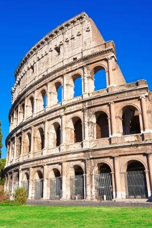 Prachtig uitzicht op de beroemde oude Colosseum in Rome, Italië