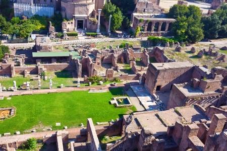 Ruïnes van beroemd oud Roman Forum in Rome, Italië