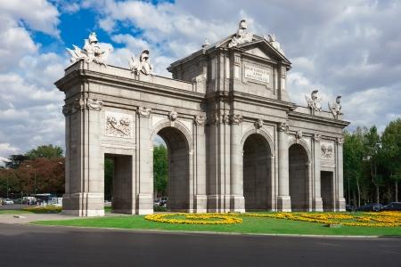 Puerta de Alcala - beroemde Spaanse monument op Independence Square, Madrid, Spanje Stockfoto