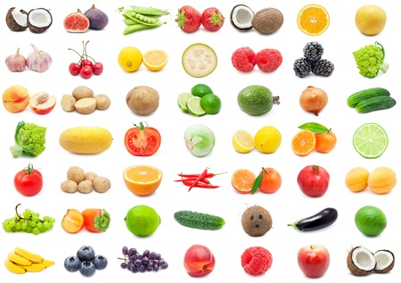 Verzameling van diverse groenten en fruit geïsoleerd op witte achtergrond