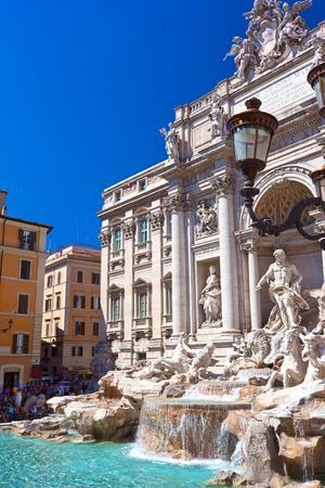 fontana: Fountain di Trevi - most famous fountain in Rome, Italy