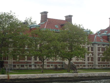 immigrate: Ellis Island