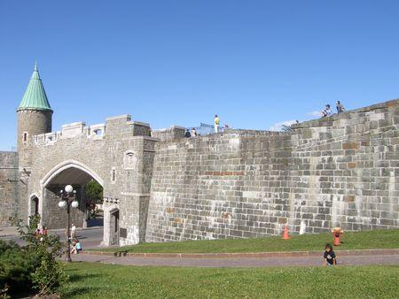Poorten van het Fort bij Place d'Youville in Quebec City, Canada