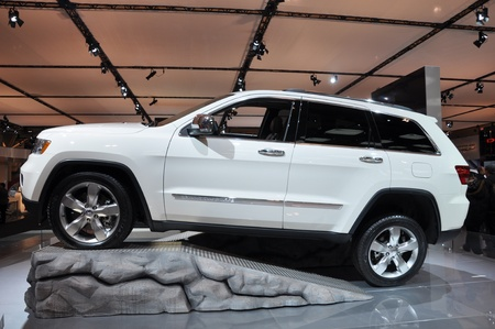 cherokee: TORONTO - FEBRUARY 24: Chrysler Jeep Grand Cherokee displayed at the 2011 Canadian International Auto Show on February 24, 2011 in Toronto