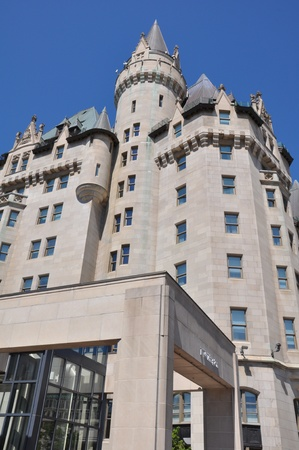 Chateau Laurier in Ottawa, Canada Banque d'images - 117387592