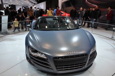 NEW YORK - 11 avril: L'Audi R8 Spyder CT au Salon de 2012 New York International Auto allant de 6-15 Avril 2012 � New York, NY. Banque d'images - 13244615