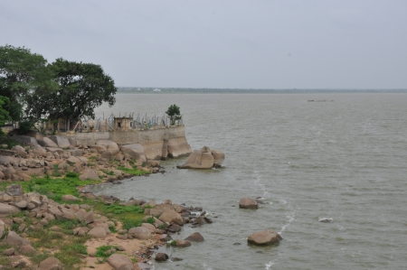 sagar: Osman Sagar Lake in Hyderabad, India
