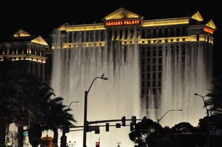 LAS VEGAS - DECEMBER 6: Bellagio hotel & casino fountains on December 6, 2012 in Las Vegas. The Fountains shoot water out of over 1,200 nozzles to create spectacular shows choreographed to music. Stock Photo - 17137108