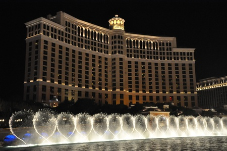 LAS VEGAS - DECEMBER 6: Bellagio hotel & casino fountains on December 6, 2012 in Las Vegas. The Fountains shoot water out of over 1,200 nozzles to create spectacular shows choreographed to music. Stock Photo - 17137157