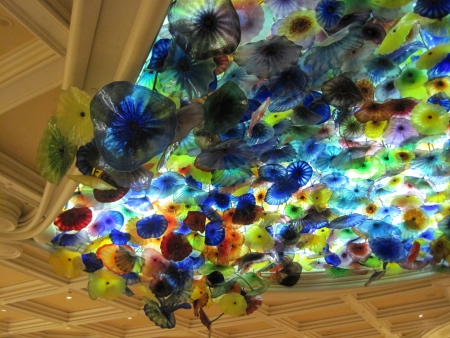 LAS VEGAS - JULY 9  Ceiling of the Bellagio in Las Vegas, on July 9, 2013  Dale Chihuly s Fiori di Como, composed of over 2,000 hand-blown glass flowers, covers 2,000 sq ft of the lobby ceiling  Stock Photo - 21969637