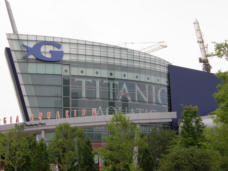 gallons: ATLANTA - JUNE 13  The Georgia Aquarium facade in Atlanta, Georgia on June 13, 2009  The boat shaped landmark is the world s largest aquarium with more than 8 million gallons of water  Editorial