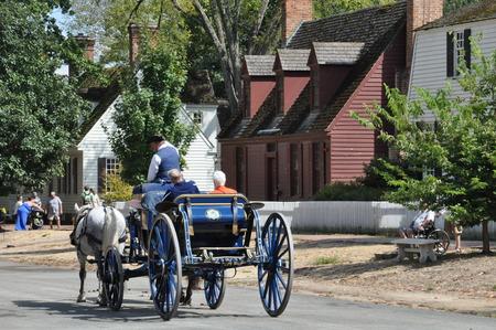 植民地ウィリアムズバーグ、バージニア州の馬車の乗り物 写真素材