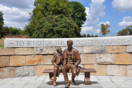 abraham: Abraham Lincoln Statue with son at the American Civil War Center in Richmond, Virginia