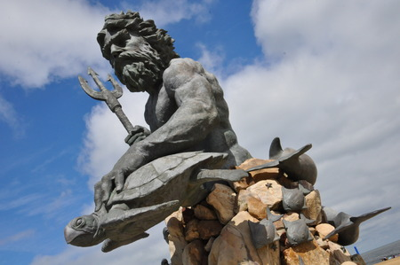 King Neptune Statue am Eingang des Neptune Park an der Virginia Beach Boardwalk Standard-Bild - 46929958