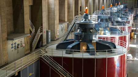 hoover dam: Hydroelectric turbines at Hoover Dam in Nevada