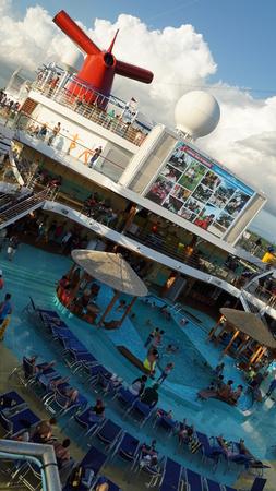 crucero Carnival Breeze en La Romana, República Dominicana Editorial