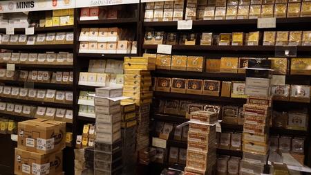 romana: Cigar Factory in La Romana, Dominican Republic