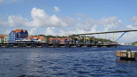 curacao: Queen Emma Pontoon Bridge in Willemstad, Curacao