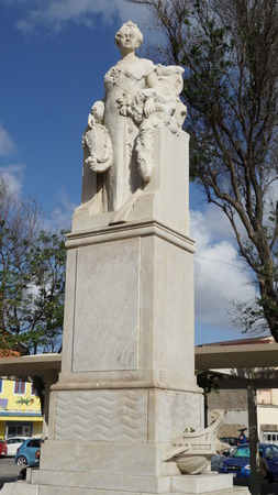curacao: Queen Wilhelmina Statue in Curacao