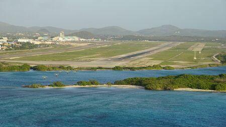beatrix: Queen Beatrix International Airport in Aruba Editorial