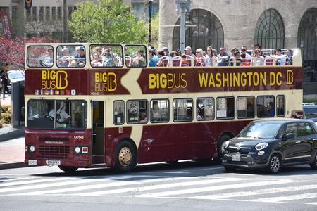 Big Bus tour bus in Washington, DC Redactioneel