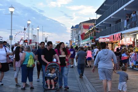 Boardwalk in Ocean City, Maryland 版權商用圖片 - 89894168