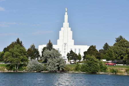 Mormon Temple at Idaho Falls in Idaho 版權商用圖片