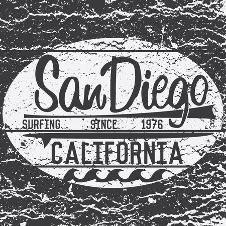 カリフォルニア州 San Diego タイポグラフィ、t シャツ印刷デザイン、夏のベクトル バッジ アップリケ ラベル。  イラスト・ベクター素材