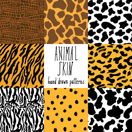 Animal skin hand drawn texture, Vector seamless pattern set, sketch drawing cheetah, cow, clocodile, tiger zeebra and giraffe skin textures. Stock Illustratie