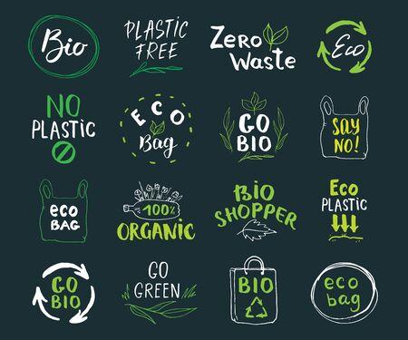 Set di etichette disegnate a mano Eco e Bio. Lettere calligrafiche con elementi di doodle schizzo eco friendly. Illustrazione vettoriale. Vettoriali