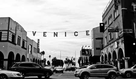 A street in Venice, California Redactioneel
