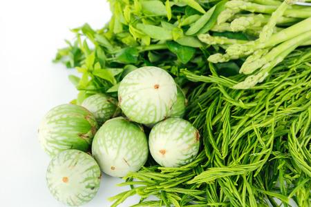 nutrients: Los vegetales verdes contienen nutrientes y propiedades medicinales. Foto de archivo