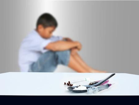 青少年の薬物問題のコンセプト