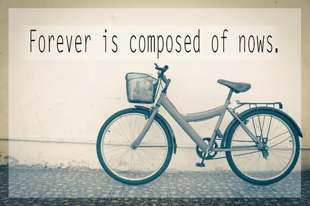 Inspirational quote on  blurred background Zdjęcie Seryjne