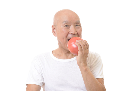 Senior to eat big tomatoes