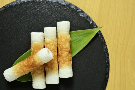 A bird's-eye view of Japanese bamboo rings