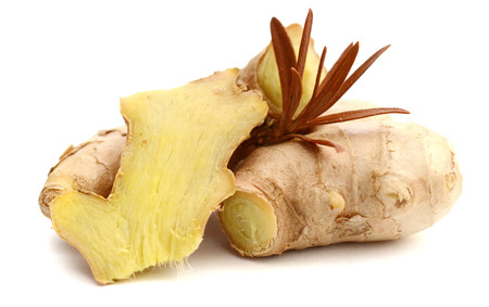 Fresh ginger and slices. Isolated on white background. Stockfoto