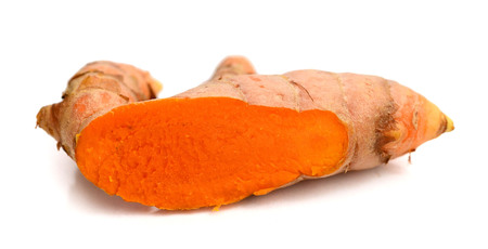 Fresh turmeric isolated on white background. Banque d'images - 118101887