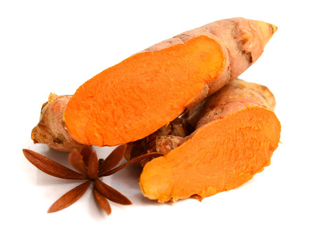 turmeric root isolated on white background Banque d'images - 118101892