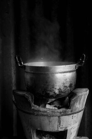 boiling pot: pot Boil water