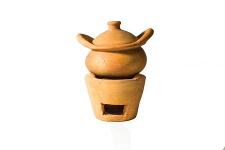 ollas de barro: vasijas de arcilla aislados en blanco