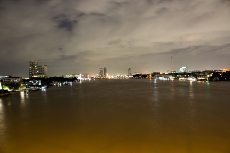 joa: joa phraya river in Bangkok at night