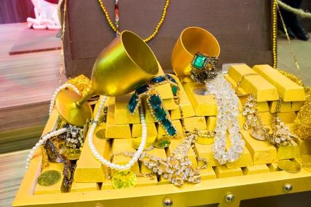 lucrative: Treasure Box