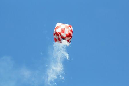 flit: hot air balloon isolated on sky