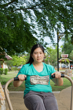 donne obese: le donne obese stanno esercitando la vostra dieta
