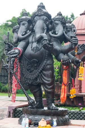 identidad cultural: Ganesh hecho de metal