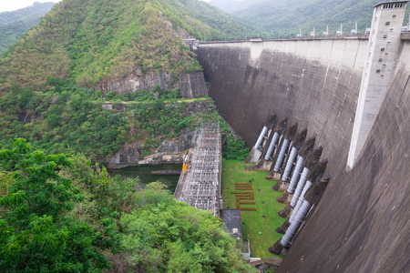 thai dam: The power station at the Bhumibol Dam in Thailand. The dam is situated on the Ping River for electricity