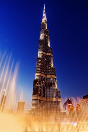 Burj Al-Khalifa is het hoogste gebouw in Dubai en in de wereld Redactioneel