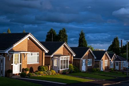 Rij van huizen op een typisch Britse straat