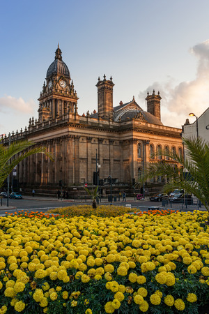 Britain in bloom and the Leeds Town hall, West Yorkshire, England  Stock Photo